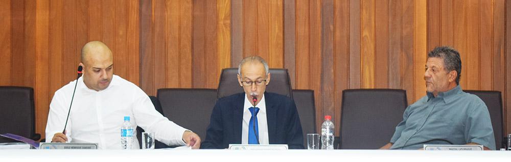Câmara Municipal realiza a 30ª Sessão Ordinária do ano