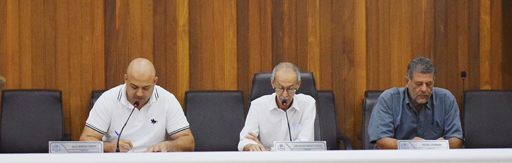 Câmara Municipal realiza a 8ª Sessão Extraordinária do ano