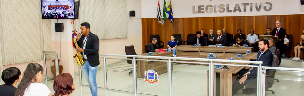 Câmara Municipal realiza Sessão Solene de entrega de Honrarias